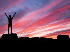 rs25-برای اینکه اعتماد به نفستان افزایش یابد و زندگی تان متحول شود چطور باید از خواب بلند شوید؟